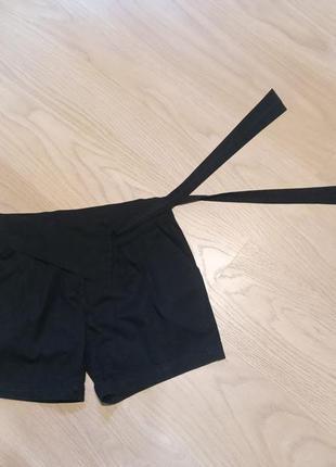 Стильные шорты с интересным поясом