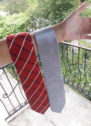 Набор из двух нарядных галстуков серый и красный