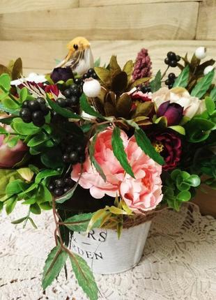 Цветочная композиция, кашпо с цветами и птичкой flowers and garden, декор для дома