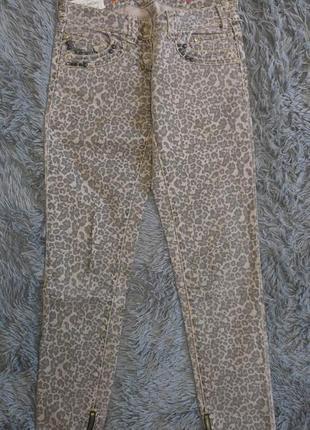 Джинсы леопардовые скинни