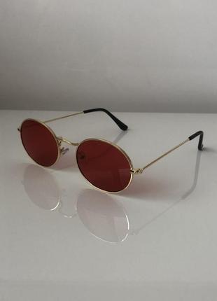 Овальные очки unisex с красными линзами