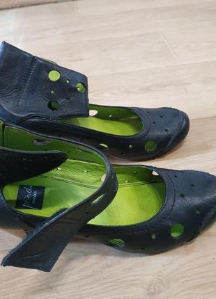 Шкіряні туфлі 37