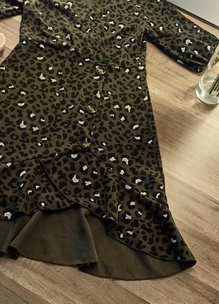 Новое платье в леопардовый принт и актуальными пуговицами6 фото