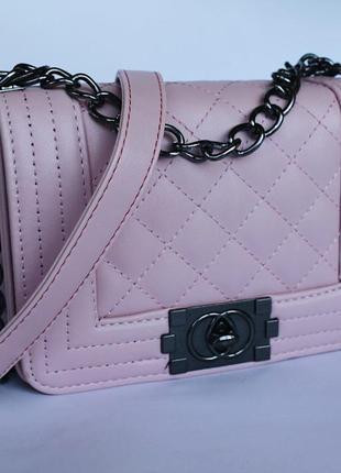 Шикарная сумочка в стиле channel boy mini🖤