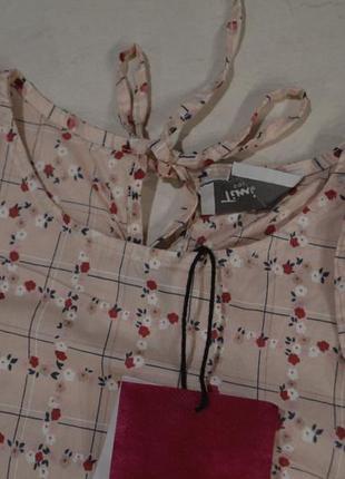 ... Ніжна блуза кольору пудри з відкритими плечима у квіти 62a01ae220f88