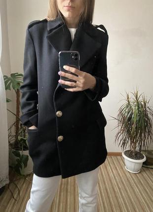 Пальто в стиле милитари от zara