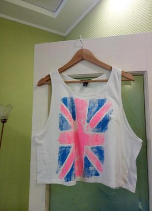 Белая с розовым голубым принтом британский флаг широкая майка кроп топ