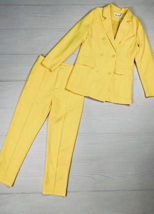Шикарный костюм жакет и брюки лимонного цвета{двойка}