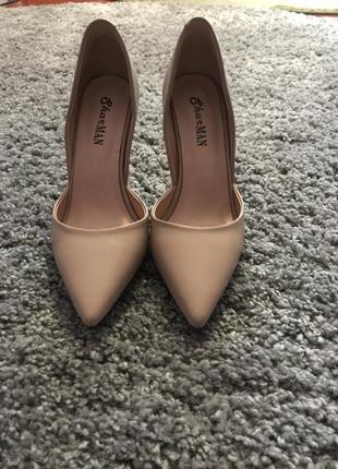 Туфлі лодочкі
