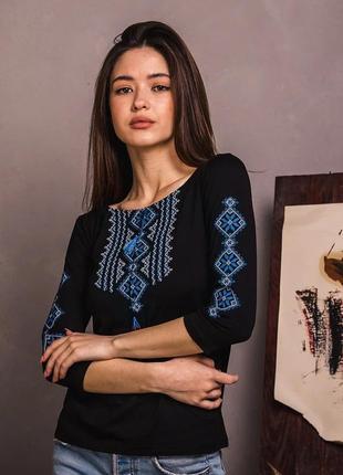 Черный лонгслив с синей вышивкой рукав 3/4 размеры s-xxl