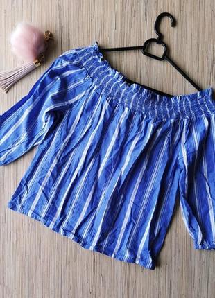 Трендовая хлопковая блуза с резинкой на плечах