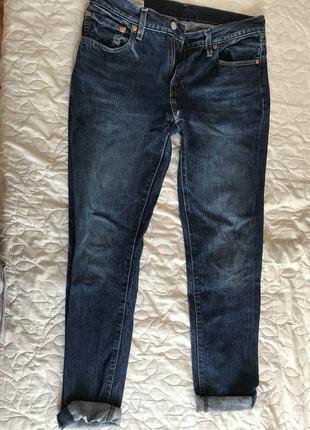 Тёмное-синие джинсы levi's