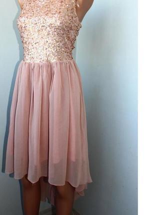 Стильное розовое шифоновое платье в пайетки с открытой спиной и со шлейфом с-м, 44-46