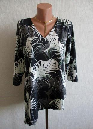 Асимметричная блузка из тонкого трикотажа в принт wallis