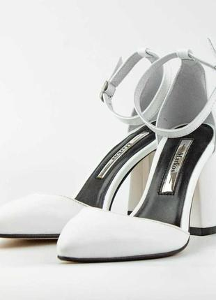Туфлі marкос  561069 білі