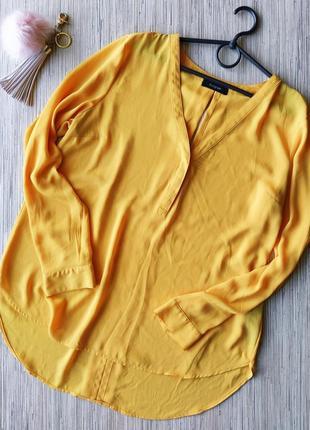 Яркая шифоновая блуза с вырезом на спинке