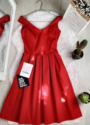 Новое красное миди платье на плечики
