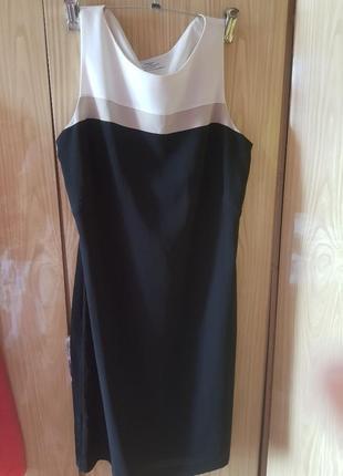 Фирменное платье футляр классика офисное