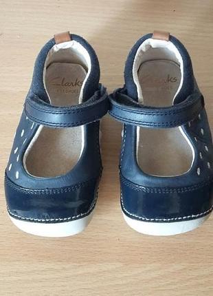 Классные кожаные туфли пинетки clarks 19 р. стелька 12 см