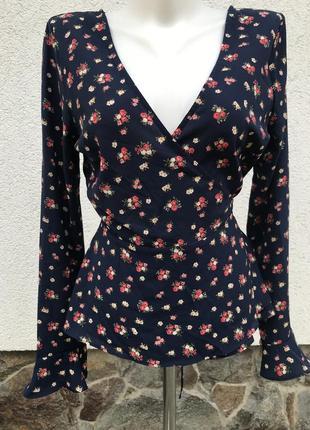 Цветочная блуза на запах с оборками