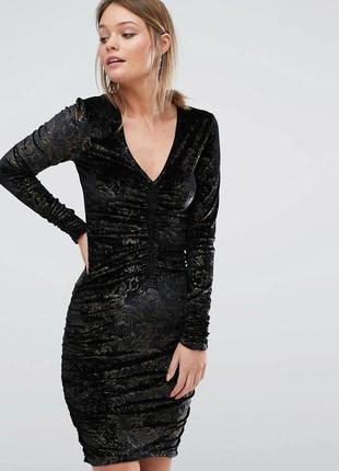 Красивое платье велюровое с золотым напылением в виде узоров asos