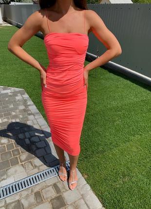 Коралловое неоновое платье с вшитыми чашечками