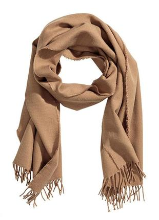 Оригинальный шарф с бахромой от бренда h&m разм. one size