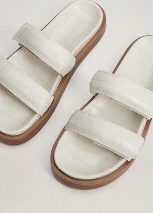Шлепки под кожу змеиную mango оригинал сандали на платформе босоножки шлёпанцы