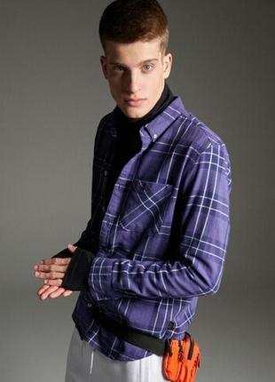 Фиолетовая рубашка в клетку бренда cropp town