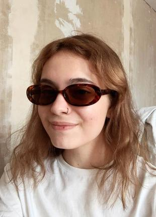 Тренд овальные солнцезащитные очки леопардовые роговые узкие ретро окуляри сонцезахисні