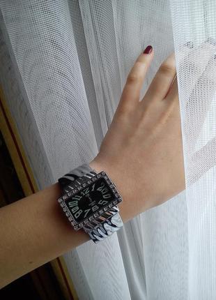 Часы/браслет/металл/под серебро