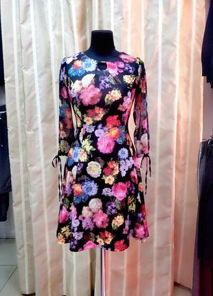 Платье с ццветочным принтом
