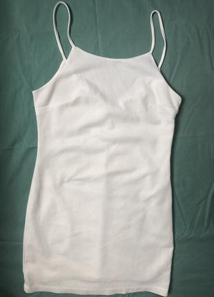 Белое платье на тонких бретельках6 фото