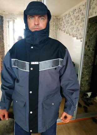 Дорожня куртка 54-56