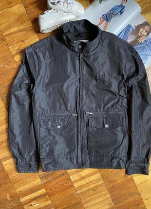 Стильна куртка geox