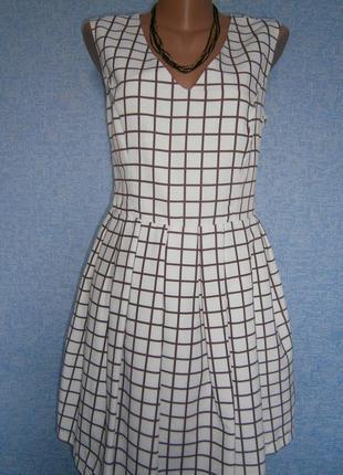 Милое платье о befree белое в коричневую клетку на подкладке.