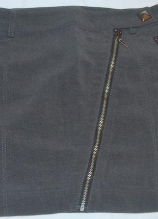 Серая короткая юбка mango
