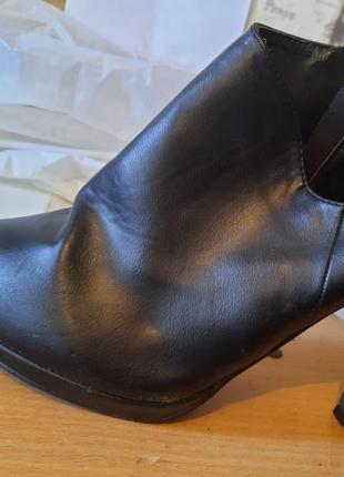 Босоножки сапоги туфли каблуки