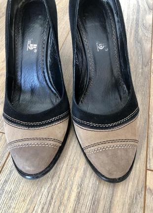 Замшевые туфли/удобные/под все