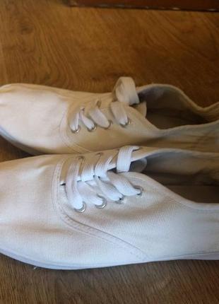 Белые кеды-слипоны на шнуровке