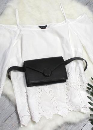 Блуза с расклешенными рукавами и прошва
