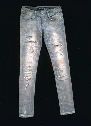 Суперские узкие джинсы с дырками и потертостями