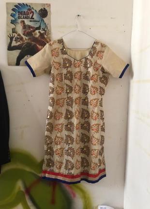 Платье в стиле бохо с разрезами