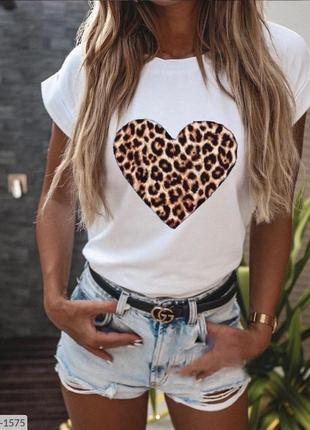 Модная легкая футболка с леопардовым принтом