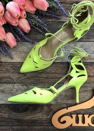 Яркие летние туфли asos с декоративной перфорацией и шнуровкой  sh2582  asos