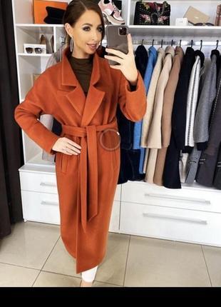 Уютное шерстяное пальто