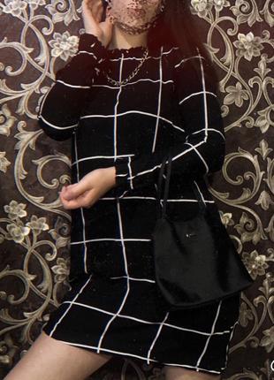 Платье расклешенное в клетку стильное