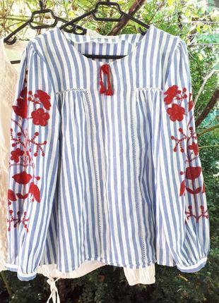 Блуза рубашка с вышивкой белая синяя зара