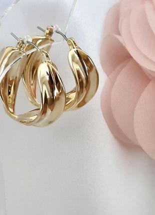 Серьги кольца в золотом цвете
