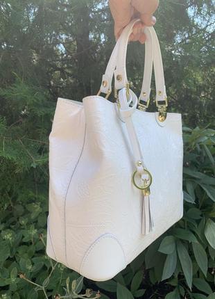 Кожаная роскошная белая сумка с принтом dalida италия7 фото